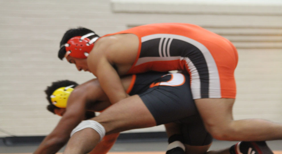 Photo for Schauer's 3 wins lead Jimmies at DWU Open
