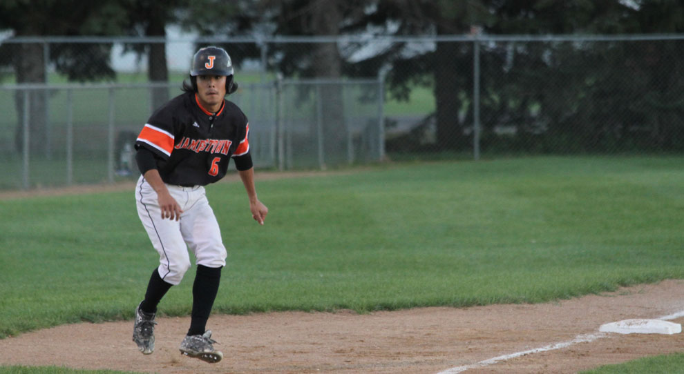 Photo for UJ closes out fall season with sweep of Winnipeg