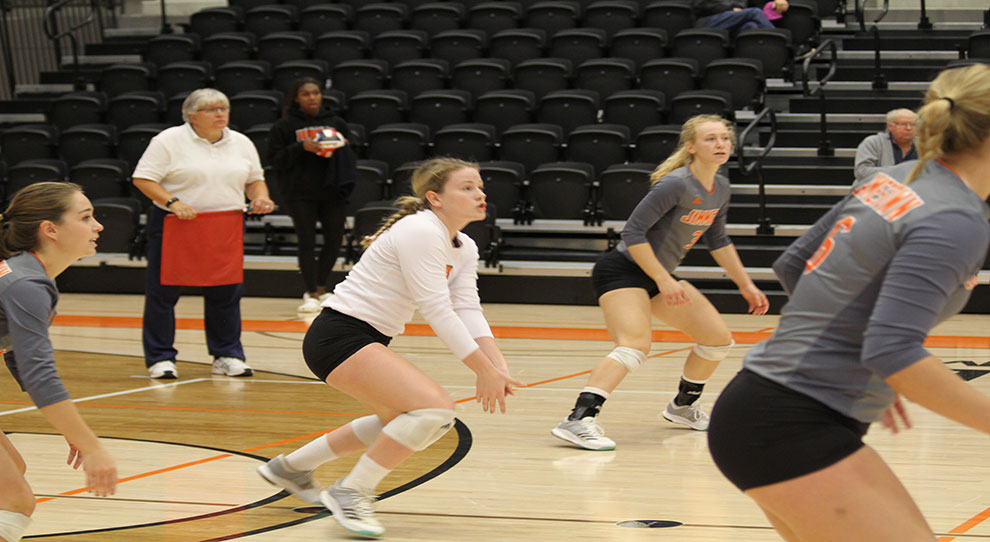 Photo for Jimmies down Vikings in four sets