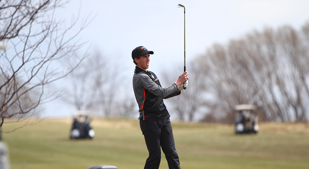 University of Jamestown Athletics - Jimmies place 3rd at Red